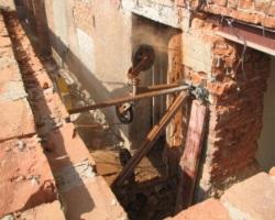 Ремонт и демонтаж в подвале