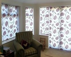 Выбор рулонных штор для комнаты
