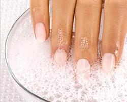 Правила по уходу за наращенными ногтями