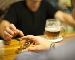 Стадии алкоголизма и методы его лечения