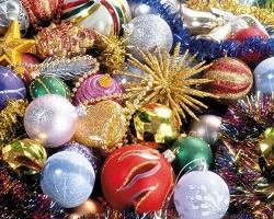 Покупаем новогодние украшения