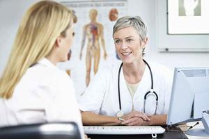 Зачем нужен осмотр гинеколога?