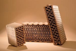 Оригинальная внутренняя отделка коттеджа из керамических блоков
