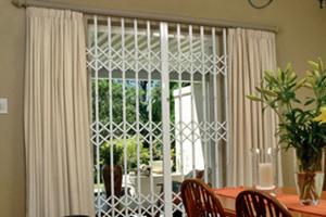 Преимущества стальных решеток на окна