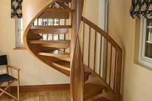 Как ухаживать за деревянными лестницами