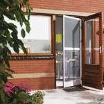 Оригинальные двери для загородного дома